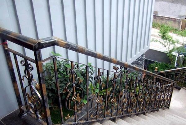 楼梯扶手-3